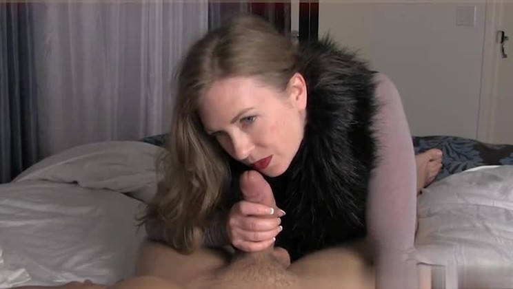 Teen Babe Lets Mature Cock Drill Her Pussy