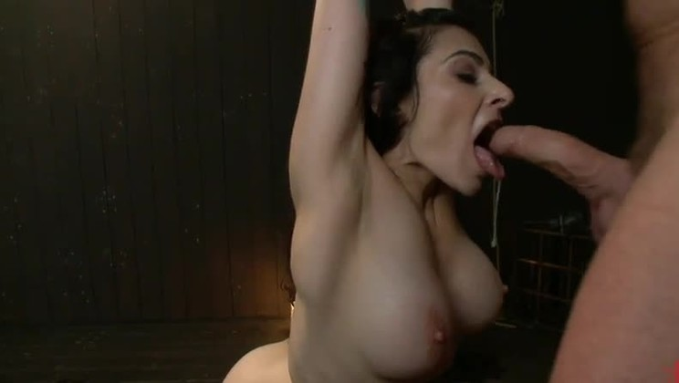 Deep-throat with hot bubble-butt in fetish porno