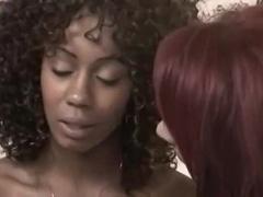 Destul De Buxomă Matură Femeie Având Un Sex Lesbian Perfect
