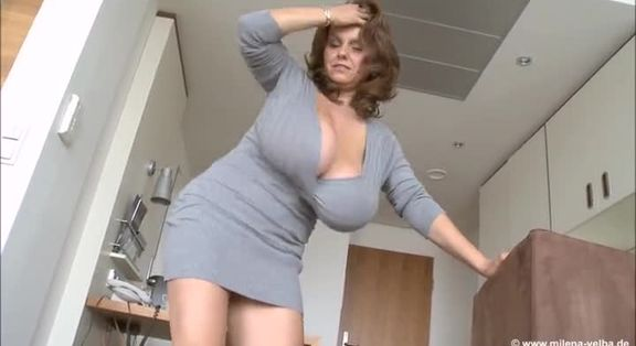 Mature female masturbation video