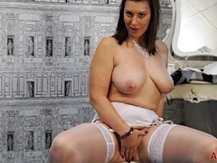 Cute Buxomy An Experienced Woman Playing Herself
