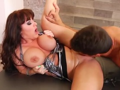 An Impressive Busty, Experienced Lady Gives A Magical Blowjob
